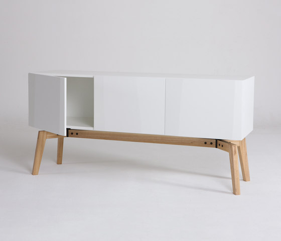 Private Space Credenza de ellenbergerdesign | Caissons