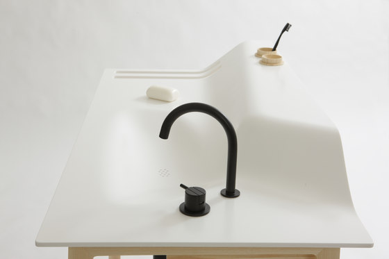 Private Space Washstand de ellenbergerdesign | Lavabos mueble