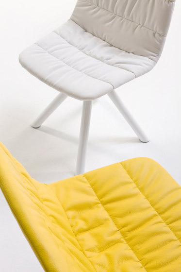 Maarten chair by viccarbe | Visitors chairs / Side chairs