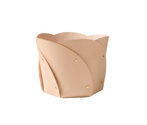 Poppy basket leather von Klong | Behälter / Boxen