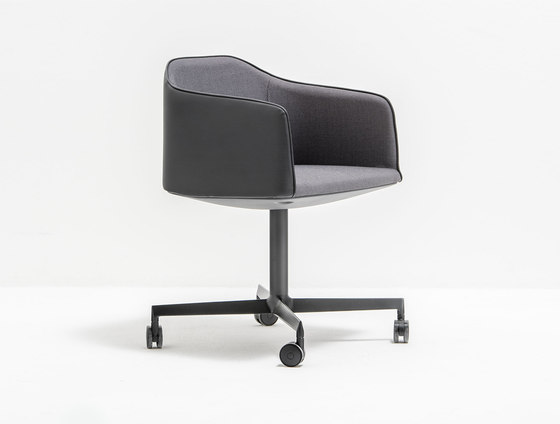 Laja 886 by PEDRALI | Conference chairs