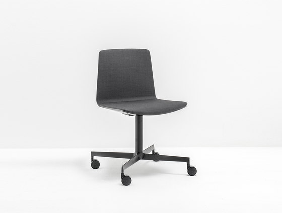 Noa 727 by PEDRALI | Task chairs