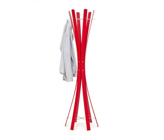 Naomi.Red Coat Rack di keilbach | Stender guardaroba