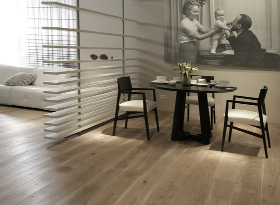 Natural Oak with sapwood natural oil solid by Bolefloor | Wood flooring