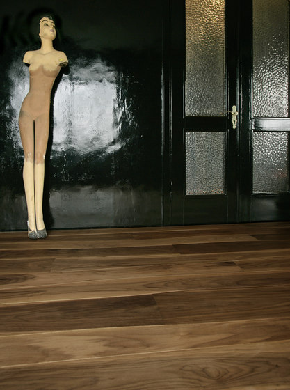 Walnut brushed solid by Bolefloor | Wood flooring
