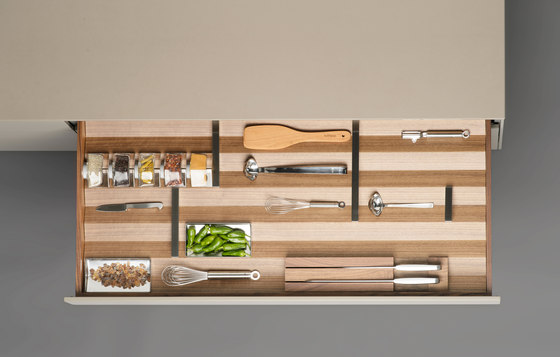bulthaup b3 interior system by bulthaup | Kitchen organization