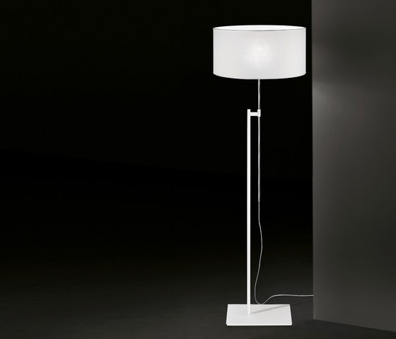 Elios Floor lamp by La Référence | Free-standing lights