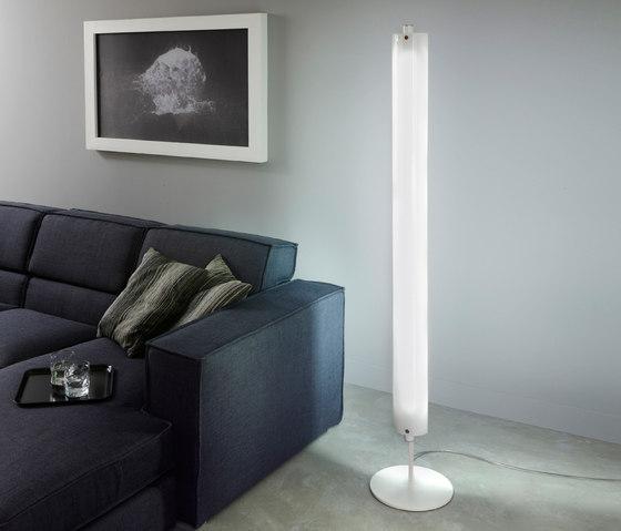 Lineal Floor lamp by La Référence | General lighting