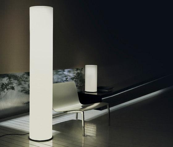 Omega Stehleuchte von La Référence | Allgemeinbeleuchtung