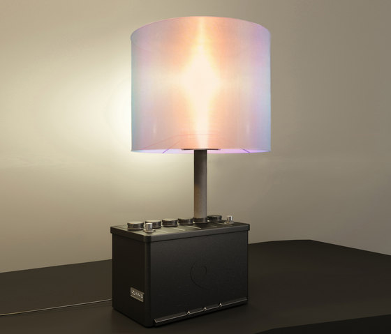 Ampere Undressed Table Lamp di Quasar | Illuminazione generale