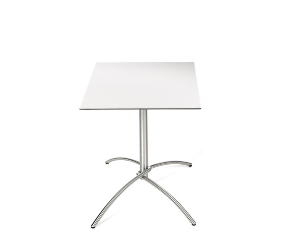 Taku bistro table by Fischer Möbel   Dining tables