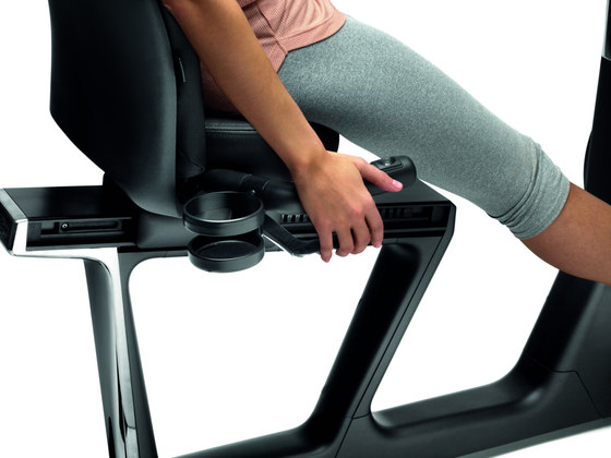 Recline Personal by Technogym | Fitness equipment