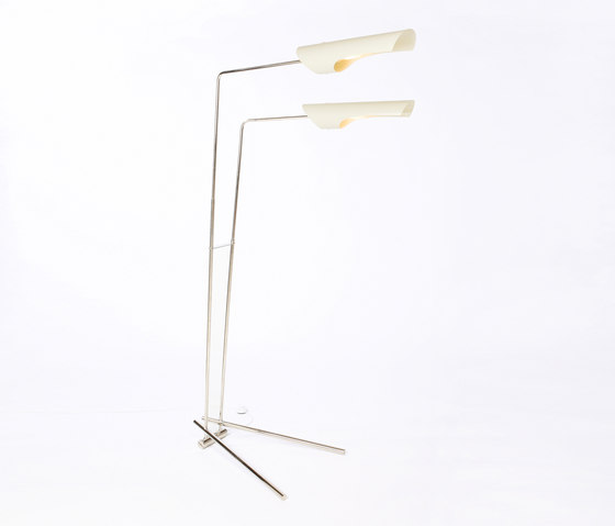 Torroja Standing Lamp No 309 di David Weeks Studio | Illuminazione generale