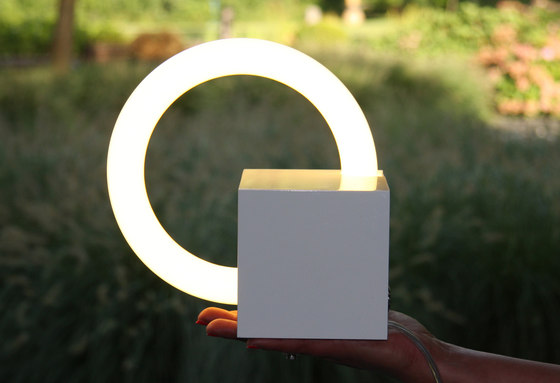 Cubo White di boops lighting | Oggetti luminosi