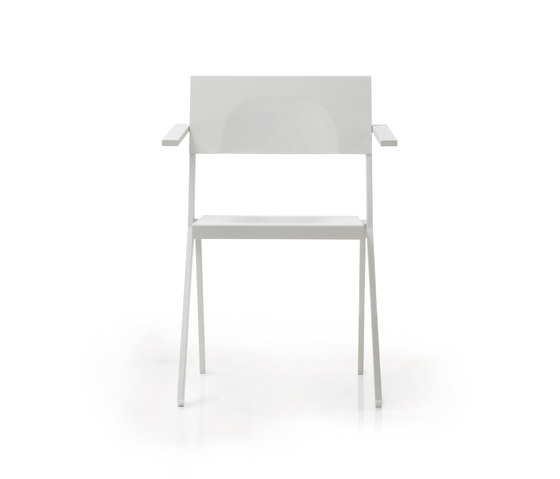 Mia | 411 by EMU Group | Restaurant chairs