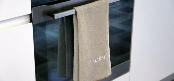 Kitchen towel by secrets of living | Kitchen accessories