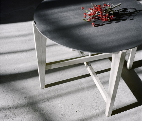 Circle coffee table by Olby Design | Coffee tables