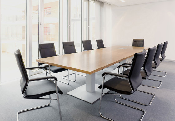Sono conference table by RENZ   Conference tables