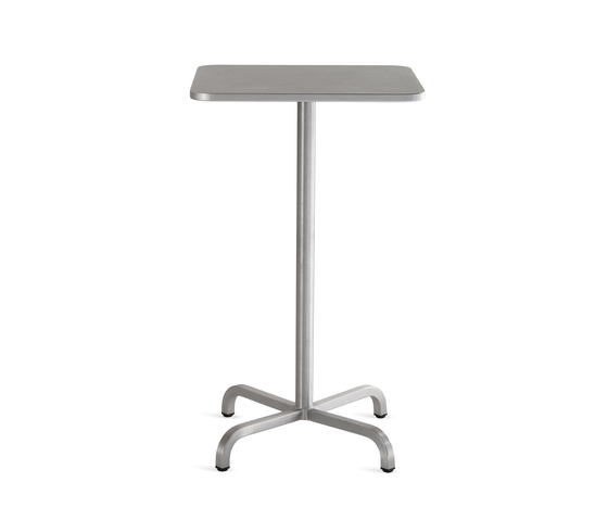 20-06™ Square bar table de emeco | Mesas altas