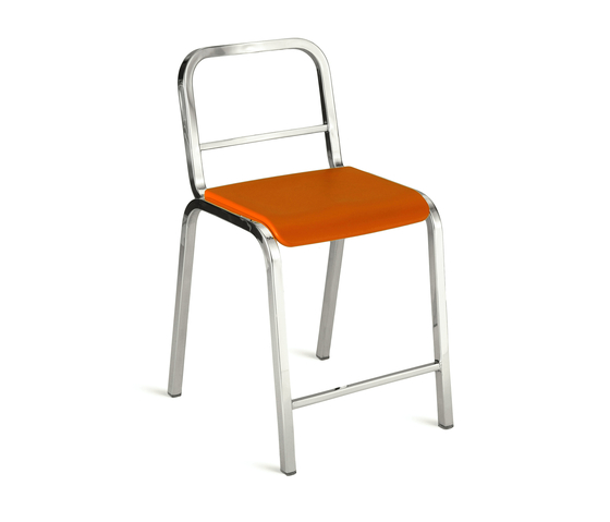 Nine-0™ Stacking counter stool di emeco | Sgabelli bar