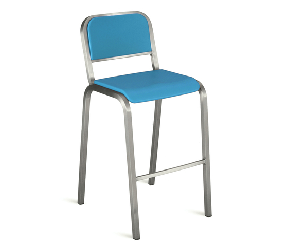 Nine-0™ Stacking barstool de emeco | Taburetes de bar