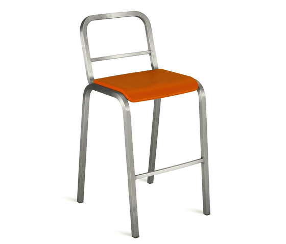 Nine-0™ Stacking barstool di emeco | Sgabelli bar