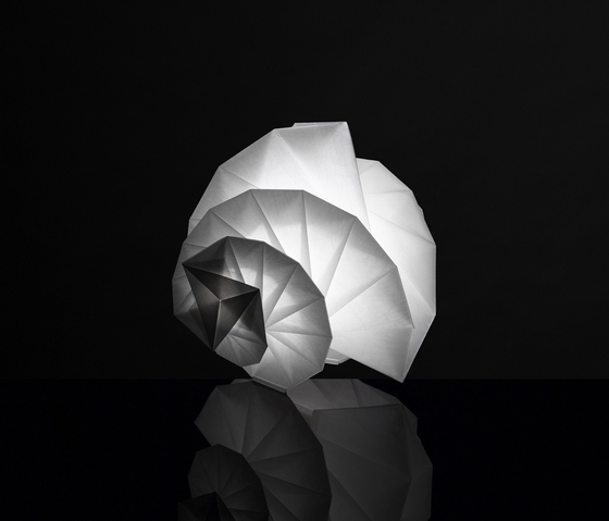 In-Ei - Mendori Table Lamp by Artemide | General lighting