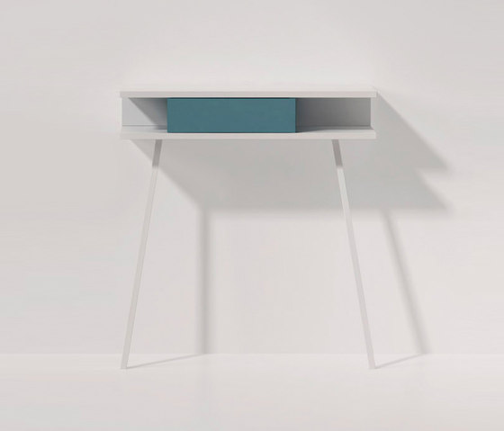 Passing console table by ARLEX design | Console tables