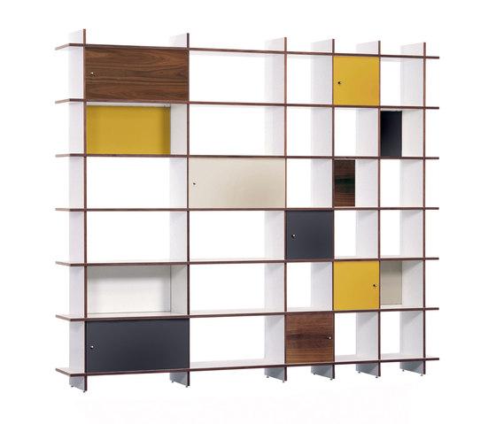 QR W-NB Shelf de OLIVER CONRAD | Sistemas de estantería