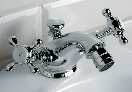 Austin 1 hole basin set by Devon&Devon | Bidet taps