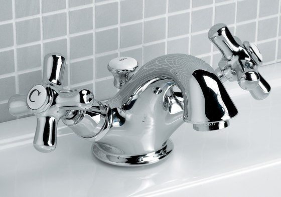 City 1 hole basin set by Devon&Devon | Wash basin taps
