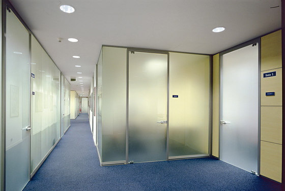 P600 dividing wall by Faram | Partitions
