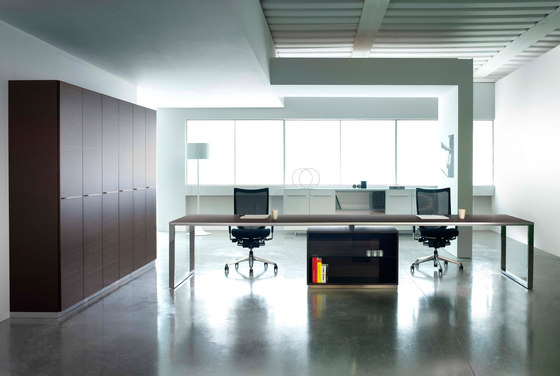 Aplomb desk by Faram | Desks