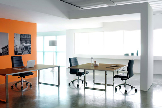 Aplomb meeting table by Faram 1957 S.p.A. | Meeting room tables