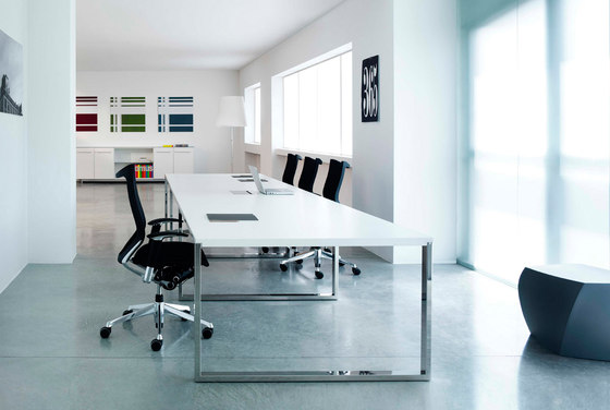 Aplomb meeting table by Faram | Contract tables