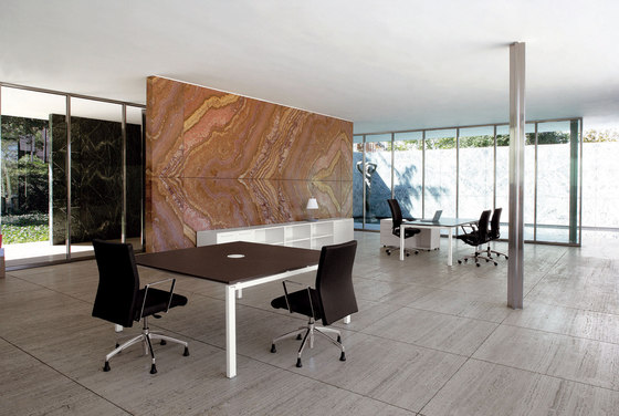 Cartesio meeting table by Faram | Contract tables