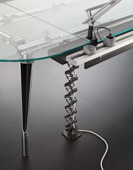 Dinamico desk by ARLEX design | Individual desks