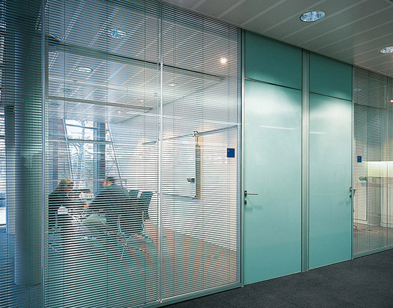 P700 dividing wall by Faram | Wall partition systems