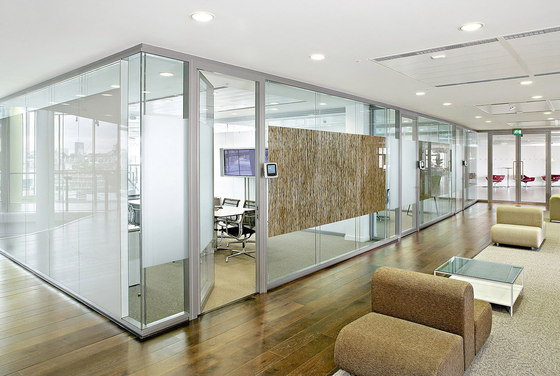 P700 dividing wall by Faram 1957 | Wall partition systems
