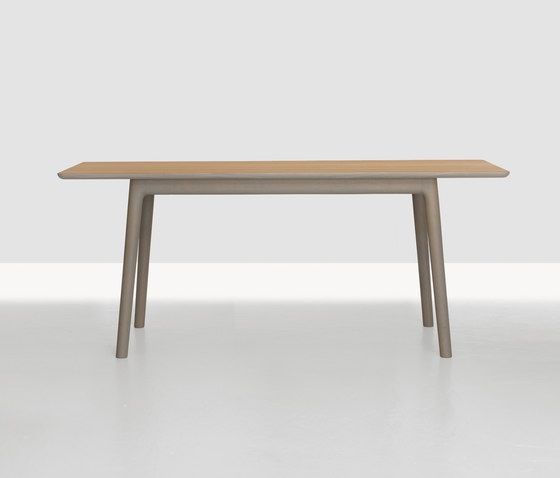 E8 Table by Zeitraum | Restaurant tables