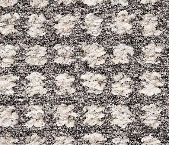 Stina Hazy Grey 5005-850 de Kasthall | Tapis / Tapis design