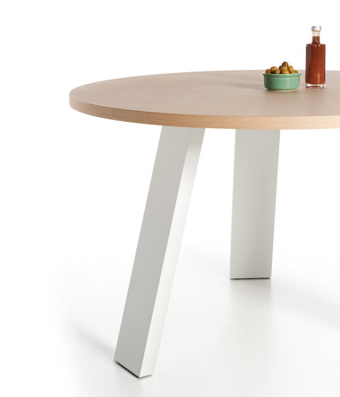 XY Table by Sistema Midi | Dining tables