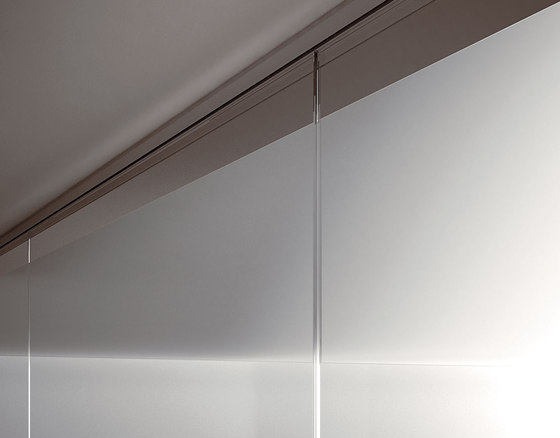 P900 dividing wall by Faram 1957 S.p.A. | Partitions