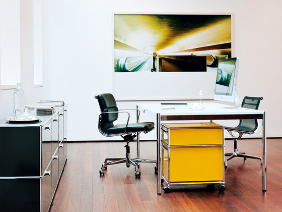 USM Haller Table Glass by USM | Individual desks