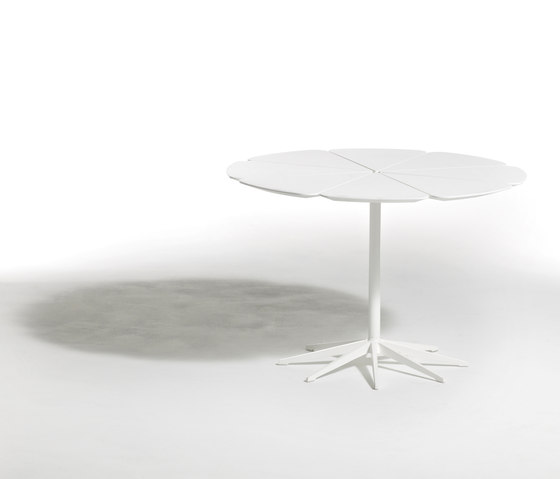Petal® Dining Table by Knoll International | Dining tables