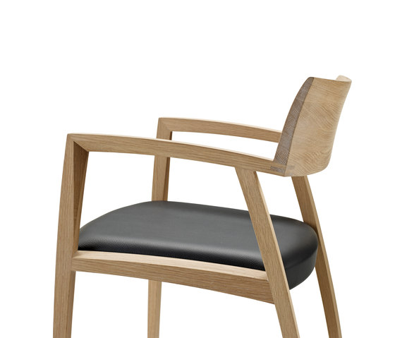 GM 326 Curve Chair de Naver Collection | Sièges visiteurs / d'appoint