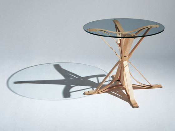 Gehry Face Off Table by Knoll International | Dining tables