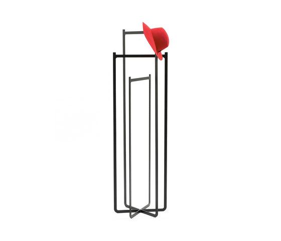 Clip Coat Hanger de Discipline | Portemanteaux sur pied
