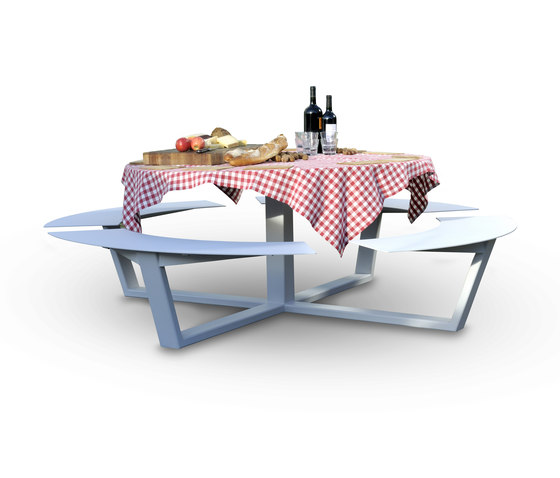 La Grande Ronde by CASSECROUTE | Canteen tables