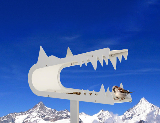piepshow wolf by Radius Design | Bird houses / feeders